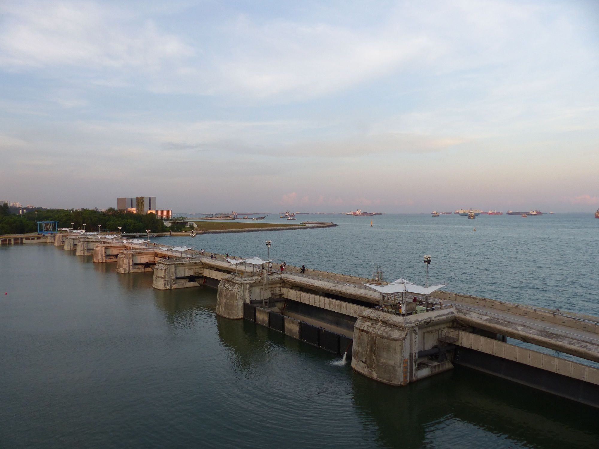 marina-barrage-cometas-puesta-sol (15)